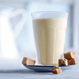 Vanillemilkshake met karnemelk en karamel