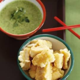 Visblokjes met groene thee-kruidensaus