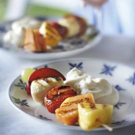 Vruchtenspiesjes met vanillekwark