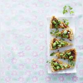 Hartige taart met frisgroene boontjes