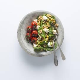 Kikkererwtensalade met gegrilde feta