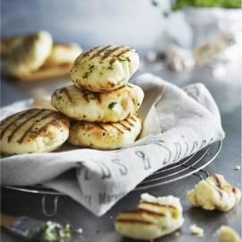 Platbrood met kruidenolie