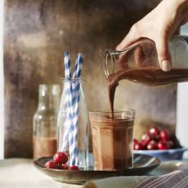 Ontbijtsmoothie met chocolade en kersen