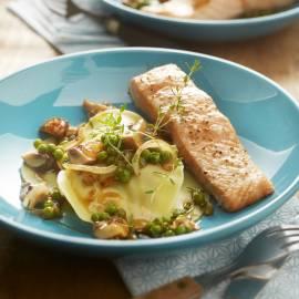 Open ravioli met paddenstoelen en zalm