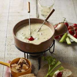 Italiaanse kaasfondue met Parmezaanse kaas en mozzarella