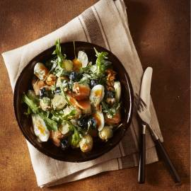 Krieltjessalade met zalm en ei