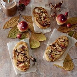 Pizzette met roomkaas en fruit