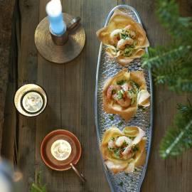 Filobakjes met garnalen en limoen-avocadocrème