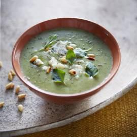 Broccoli-velouté met blauwe kaas en pijnboompitten