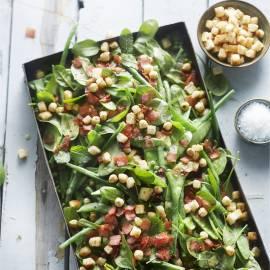 Boontjessalade met kruiden en beenham