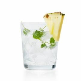 Gin-tonic met ananas en koriander