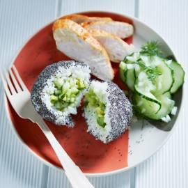 Sushi-balletjes met avocado en maanzaad