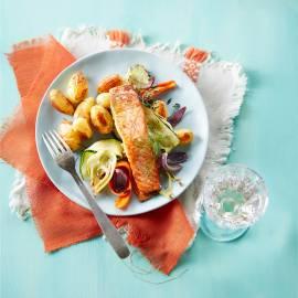 Geroosterde groenten en krieltjes met zalm