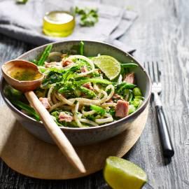 Noedelsalade met tonijn