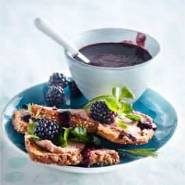 Paté met bramen-rozemarijnsaus