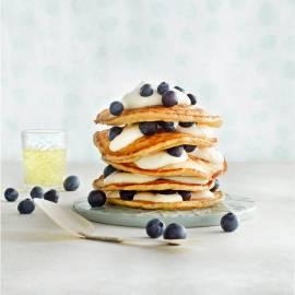Pannenkoekjes met blauwe bessen en limoncello-room
