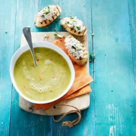 Courgettesoep met bruschetta en makreelrillette