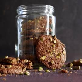 Chocoladekoekjes met biet en pistache