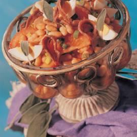 Maaltijdsalade met witte bonen, tonijn en tomaat