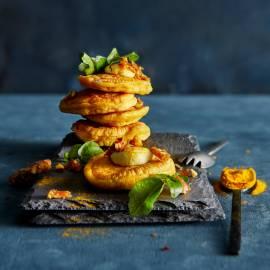Kurkumapoffer met bloemkoolcrème en pistachekaramel