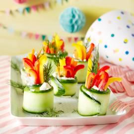 Komkommerrolletjes vol knapperige groenten