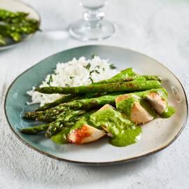 Geroosterde kip met chimichurri en groene asperges