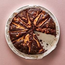 Chocoladekruidcake met peren, dadels en walnoten