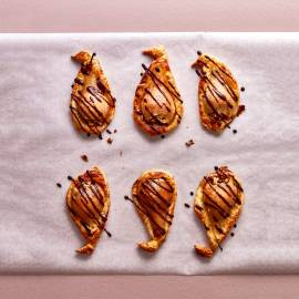 Perenslofjes met chocolade-pepersaus