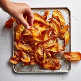 Zoete-aardappelkrokantjes met rozemarijn en zeezout