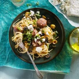 Spaghetti met gehaktballetjes en feta