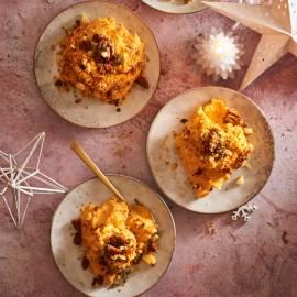 Zoete-aardappelschotel met salie en pecannoten