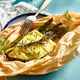 Kabeljauwpakketje met groene asperges en citroenboter
