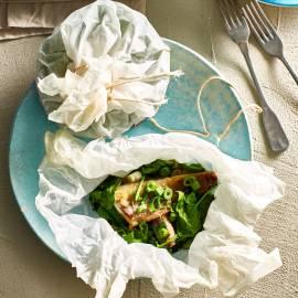 Makreelpakketje met spinazie en gember