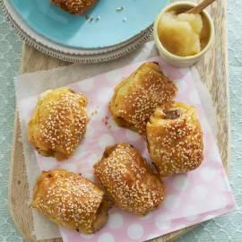 Venkel-worstenbroodjes met appelcompote
