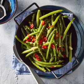 Gewokte sperziebonen met gember en rode peper