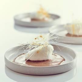 Iles flottantes met crème anglaise van thee