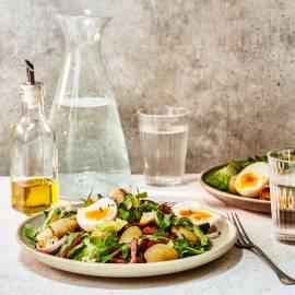 Franse andijviesalade met spekjes en ei