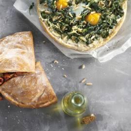 Pidepizza met spinazie, ei en kruidenroomkaas