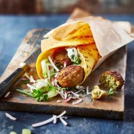 Wrap met falafel en rauwkost