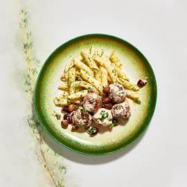 Italiaanse kruidengehaktballetjes in romige oreganosaus