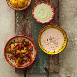 Tomaten-perziksalsa met koriander