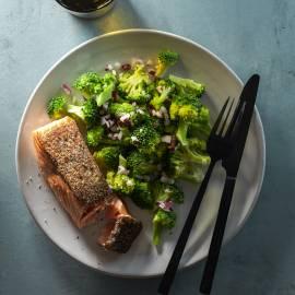 Broccolisalade met zalm