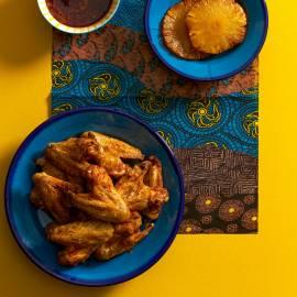 Caribische kippenvleugels met gember-honingsaus