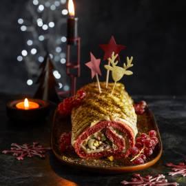Red velvet-kerstrol met pistache