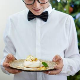 Mini-pavlova's met citroen, amandel en munt