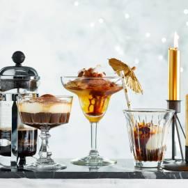 Koffiecocktail met chocolade en kokos-ijs