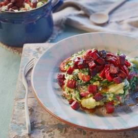 Spinaziestamppot met gegrilde paprika en knapperige chorizo