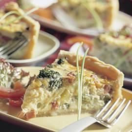 Quiche met prei, broccoli, ham en kaas