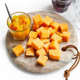 Mangochutney met kaasblokjes