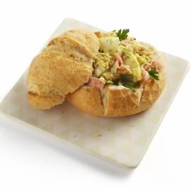 Italiaanse bol met ham-eiragout